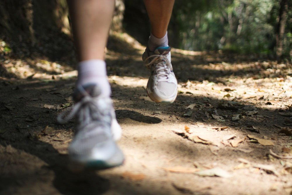 billi-running-jamacho-feet