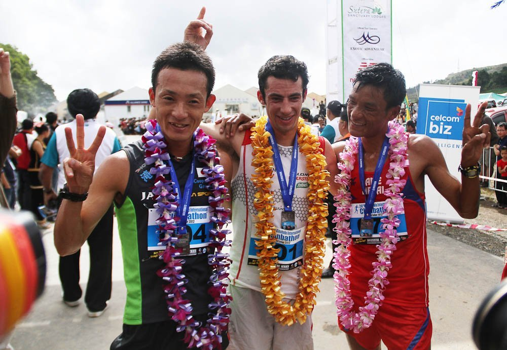 IMG_8657 - Aite Tamang with Killian jornet kinabulu climbathon 2012