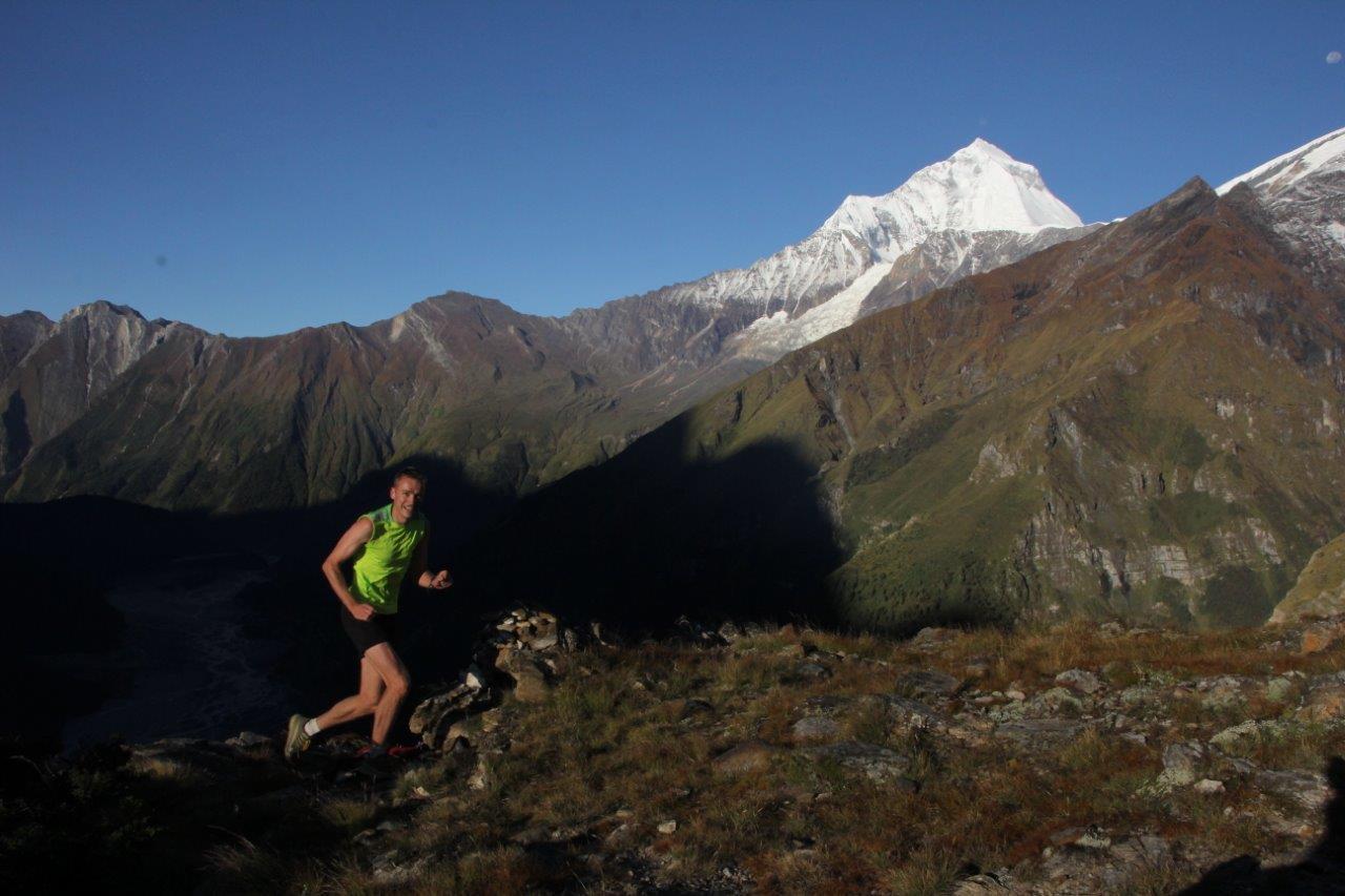 annapurna trail running dhaulagiri