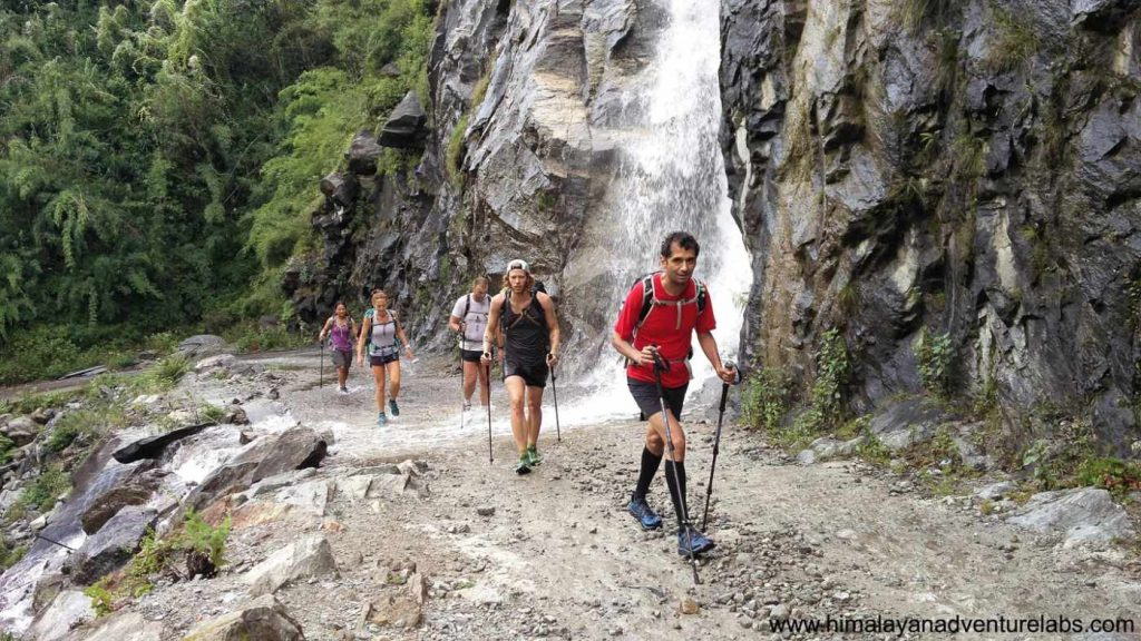 Fastpacking in Nepal on the Annapurna Circuit